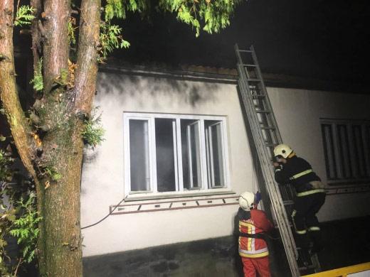 У Іршаві пожежники врятували чоловіка