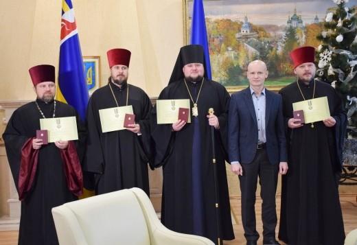 Чотирьом військовим капеланам із Закарпаття вручили відзнаки Президента України