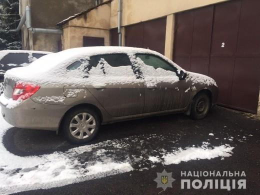Поліція за кілька годин розшукала викрадену в Мукачеві автівку
