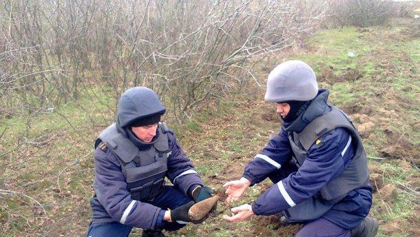 Небезпечну знахідку знешкодила на Воловеччині група піротехніків Закарпатського УДСНС