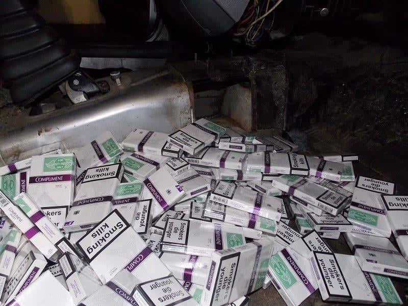 На «Тисі» прикордонники затримали партію контрабандних цигарок