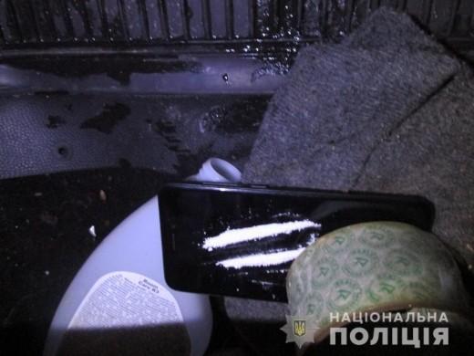 Поліцейські знайшли наркотики у автомобілі закарпатця