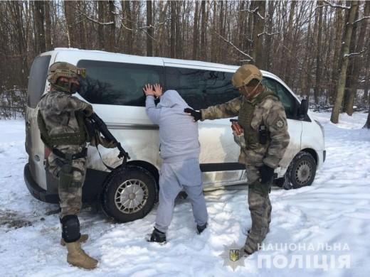Закарпатські поліцейські затримали громадянина Угорщини, який перебував у міжнародному розшуку