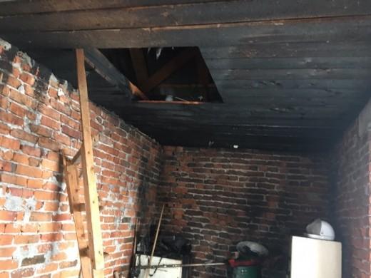 Закарпатець травмувався, намагаючись самостійно загасити пожежу в будинку