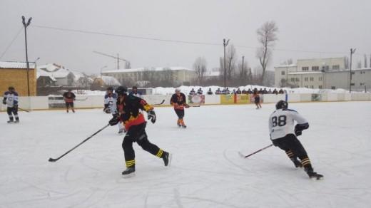 В Ужгороді пройшли чергові ігри чемпіонату області з хокею