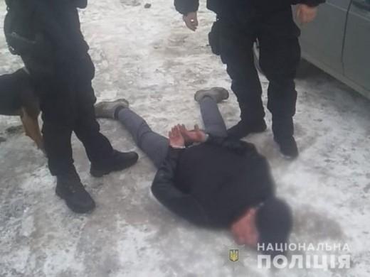 У квартирі мешканця Ужгорода поліцейські знайшли наркотики та набої