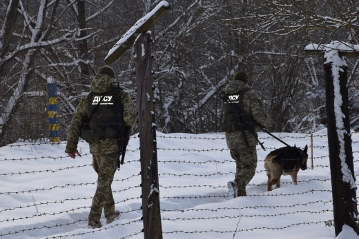 Прикордонники знайшли замерзлу румунку без документів, що заблукала на Закарпатті