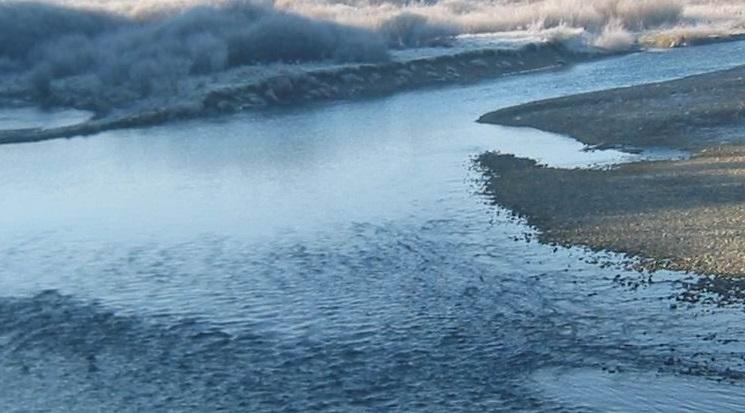 На Воловеччині водій BMW Х5 з'їхав у річку