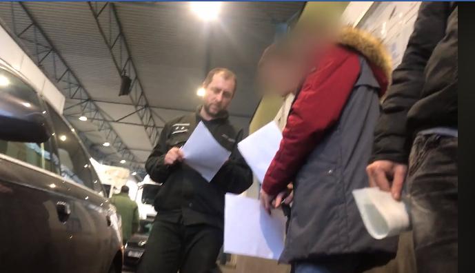 Закарпатці мають можливість поскаржитись на вимагання хабарів словацькими митниками