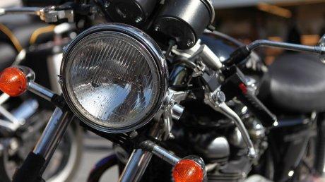 Двоє мукачівців викрали з приватного дворогосподарства 2 мотоцикли