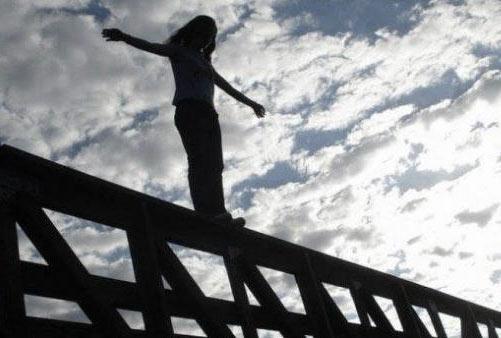 В Ужгороді надзвичайник врятував жінку, яка намагалася накласти на себе руки