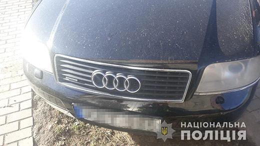 На Ужгородщині нетверезий водій іномарки врізався у припаркований ВАЗ