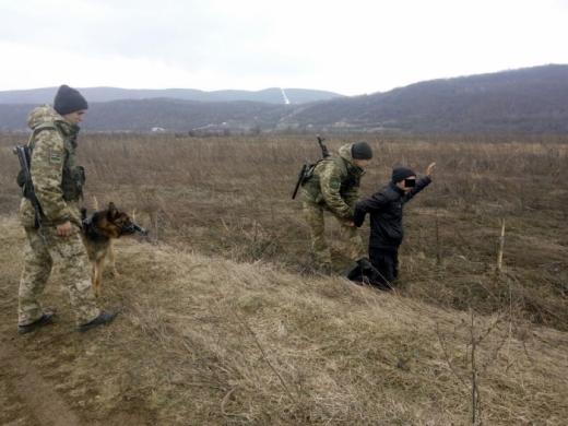 Закарпатські прикордонники затримали злочинця, що перебував у розшуку