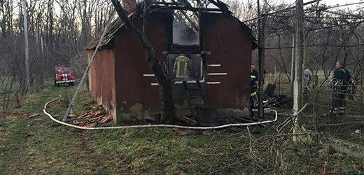 На Виноградівщині сусіди врятували чоловіка від загибелі у вогні