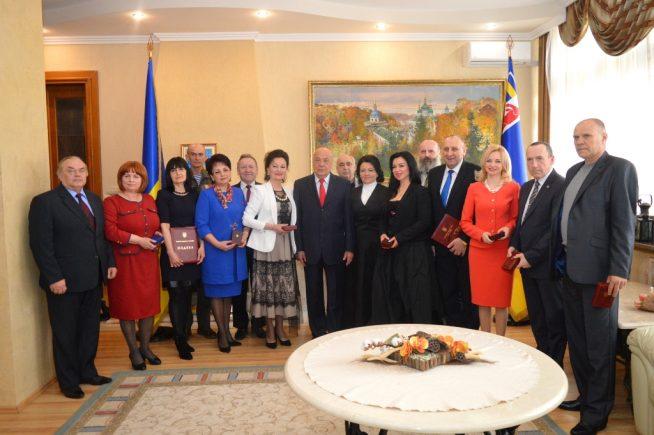 П'ятнадцятеро закарпатців отримали ордени, медалі, грамоти, подяки й почесні звання від Президента України, Кабінету міністрів та облдержадміністрації (ФОТО)
