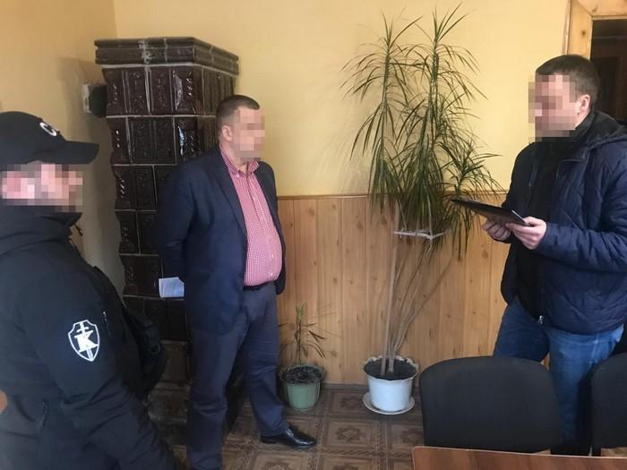 На Закарпатті СБУ викрила на хабарі суддю районного суду