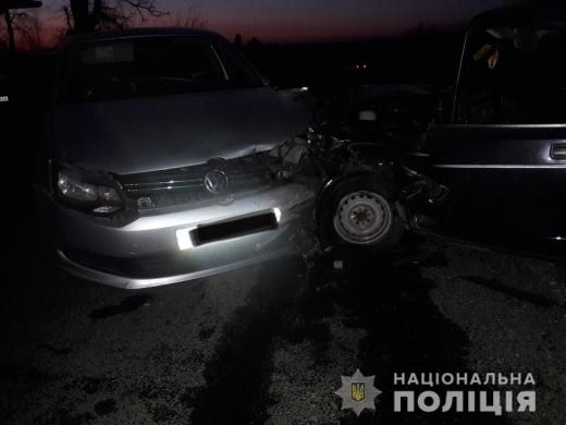 На Мукачівщині п'яний чоловік викрав ВАЗ і врізався на ньому в інше авто – двоє дітей з травмами опинилися у лікарні