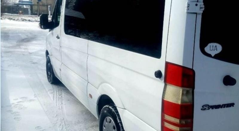 На Рахівщині маршрутка злетіла з дороги – кількох пасажирів травмовано