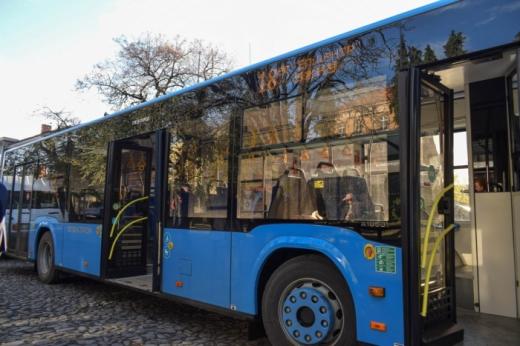 В Ужгороді припиняють роботу громадського транспорту