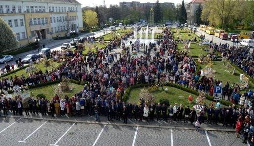 У четвер на головній площі Закарпаття відкриють традиційний Великодній фестиваль «Воскресни, писанко!»