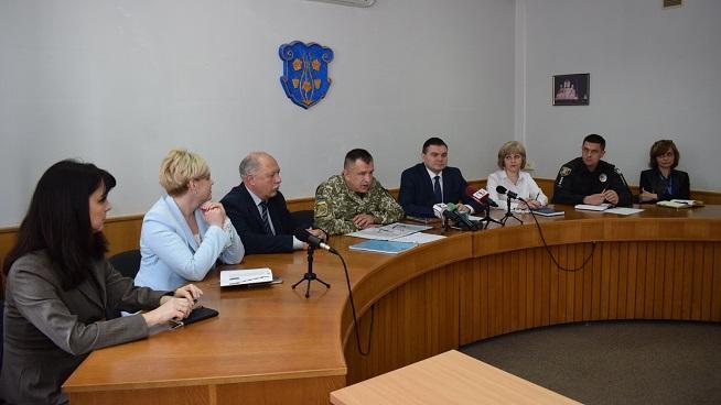 Півтори сотні юнаків з Ужгорода та району з квітня до червня планують призвати на військову строкову службу