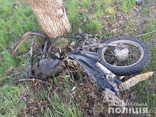"""На Тячівщині зіткнулися """"Мерседес"""" і мотоцикл – водій мотоцикла помер у лікарні"""
