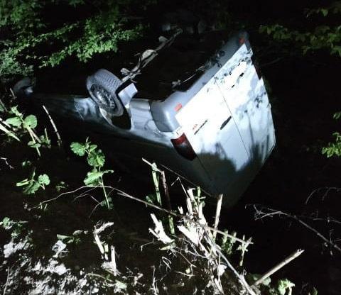 Неподалік Виноградова перекинувся мікроавтобус – водій був п'яний