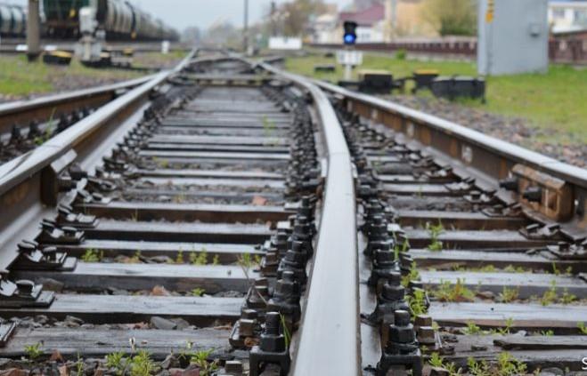 Під колесами потяга в Ужгороді загинув чоловік