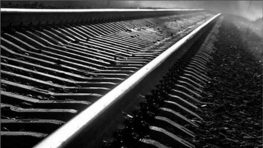 На Ужгородщині біля залізничної колії знайшли мертвим 17-річного хлопця