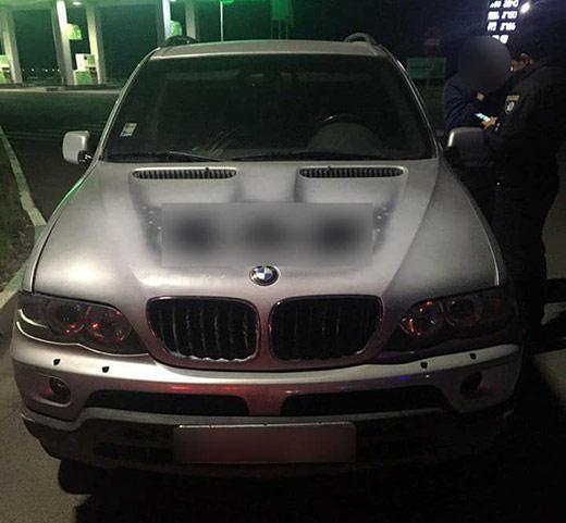 Патрульні переслідували водія BMW, який втік з автозаправки в Мукачеві, не розрахувавшись