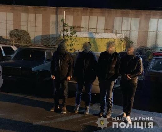 На Ужгородщині у автомобілі вінничанина правоохоронці виявили чотирьох нелегальних мігрантів