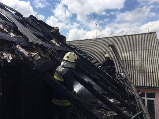 В центрі Хуста сталася масштабна пожежа (ФОТО)