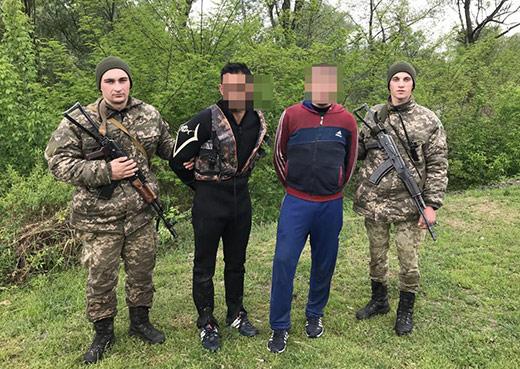 Закарпатські прикордонники у співпраці з румунськими колегами затримали двох контрабандистів