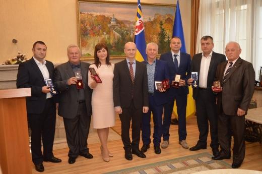 П'ятеро закарпатців отримали високі державні нагороди і двоє – найвищу відзнаку облдержадміністрації