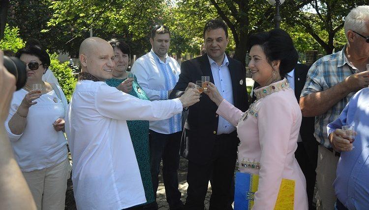 «Угочанська лоза» вчотирнадцяце зібрала шанувальників сонячного напою /фото/