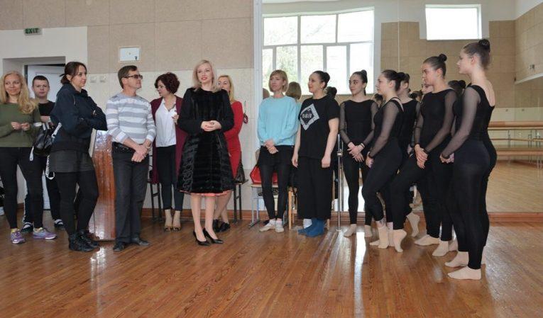 Студенти з Луганщини долучились до марафону майстер-класів в Ужгородському коледжі культури і мистецтв /фото/