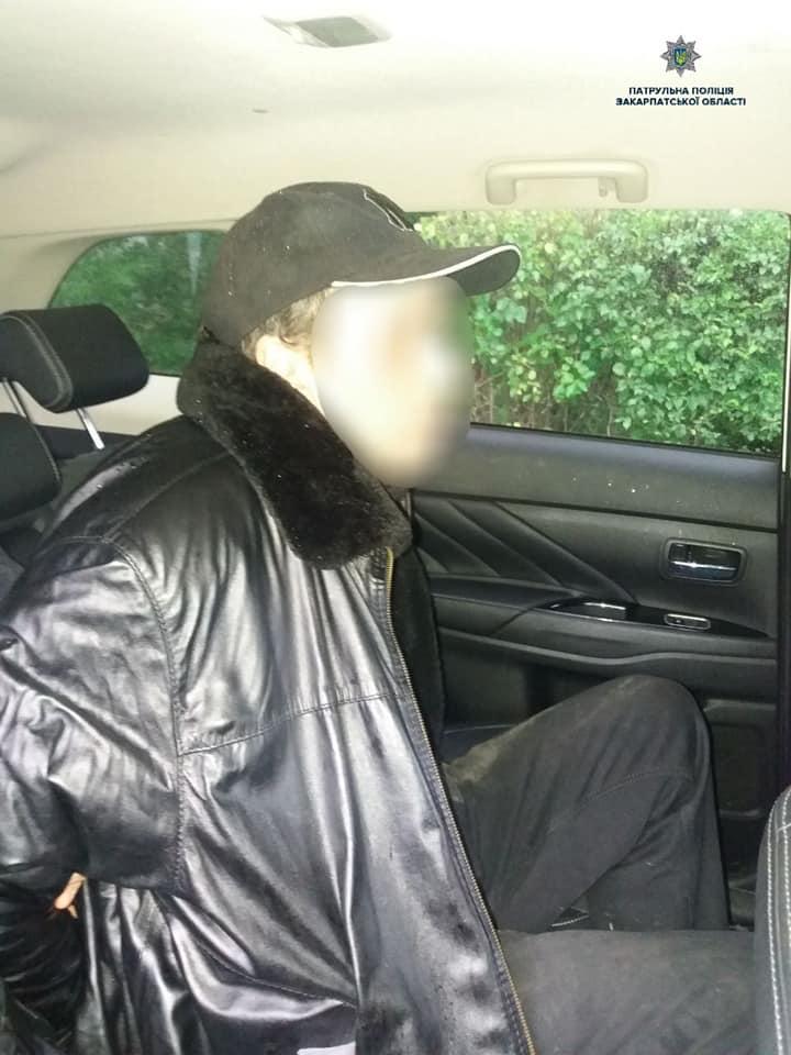 Ужгородські патрульні по гарячих слідах затримали вбивцю жінки (фото)