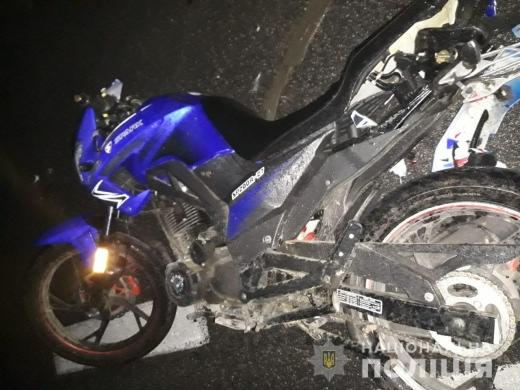 На об'їзній Ужгорода зіткнулися мотоцикл і автомобіль – водій та пасажир мотоцикла в лікарні