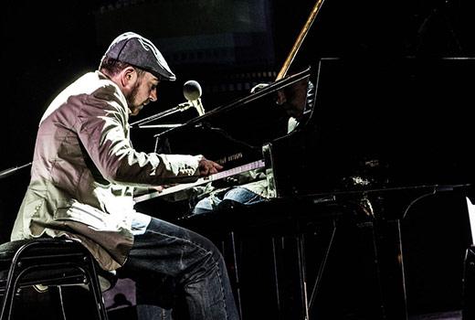 На Театральній площі в Ужгороді відбудеться 10-годинний концерт піаніста-віртуоза