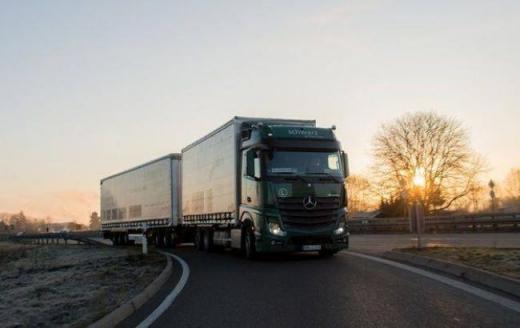 До уваги водіїв вантажівок: на території Закарпаття вводитимуть температурний режим