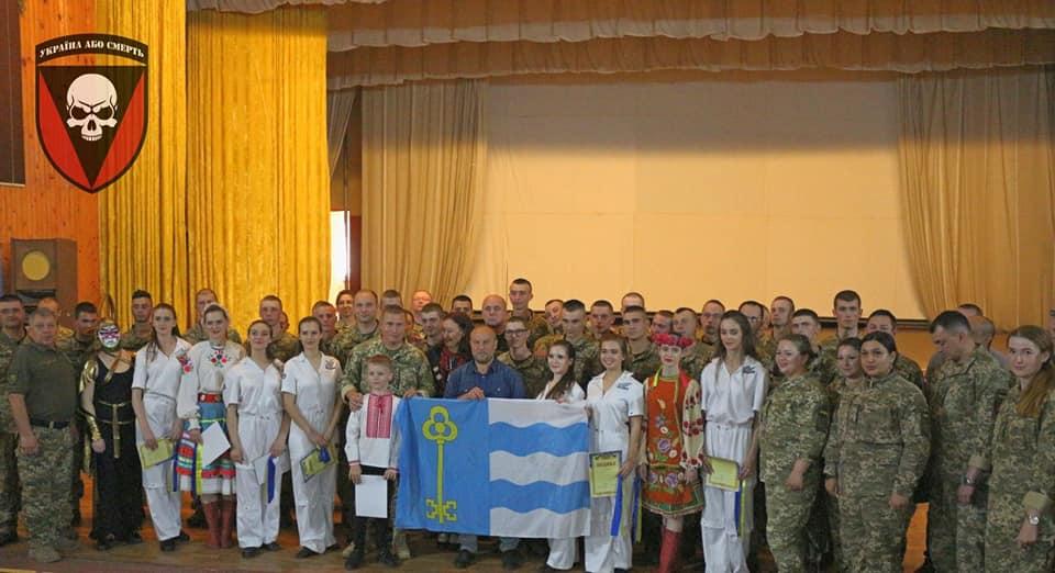 Закарпатці взяли участь у нагородженні 72-ї бригади імені Чорних Запорожців (фото)