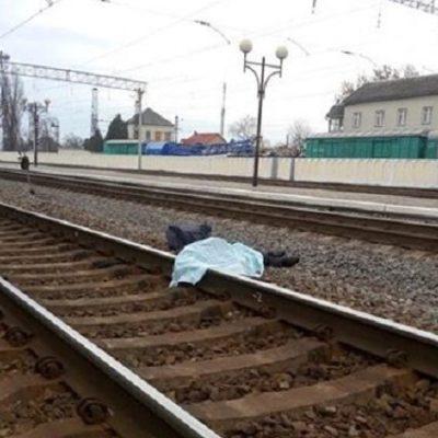 В Хусті жінка кинулася під потяг