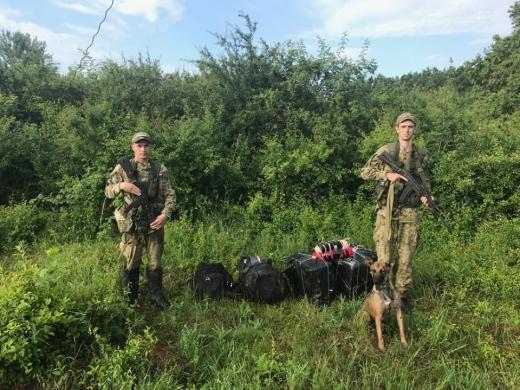 Прикордонники Мукачівського загону запобігли двом спробам контрабанди на кордоні з Румунією та Угорщиною