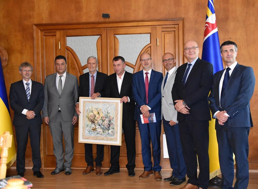В Ужгороді можуть відкрити Генконсульство Чехії та запустити авіарейс до Праги