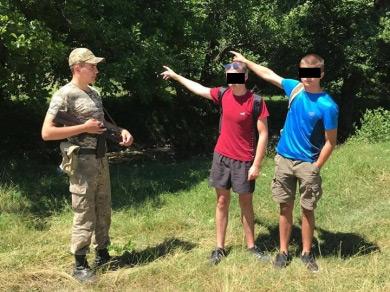 Двоє вихідців з Молдови намагалися нелегально потрапити із Закарпаття в Словаччину