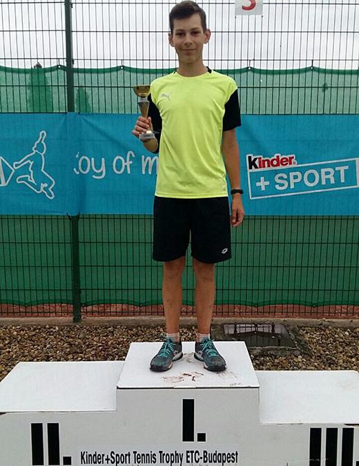 Юний тенісист із Закарпаття виборов перемогу на турнірі в Угорщині