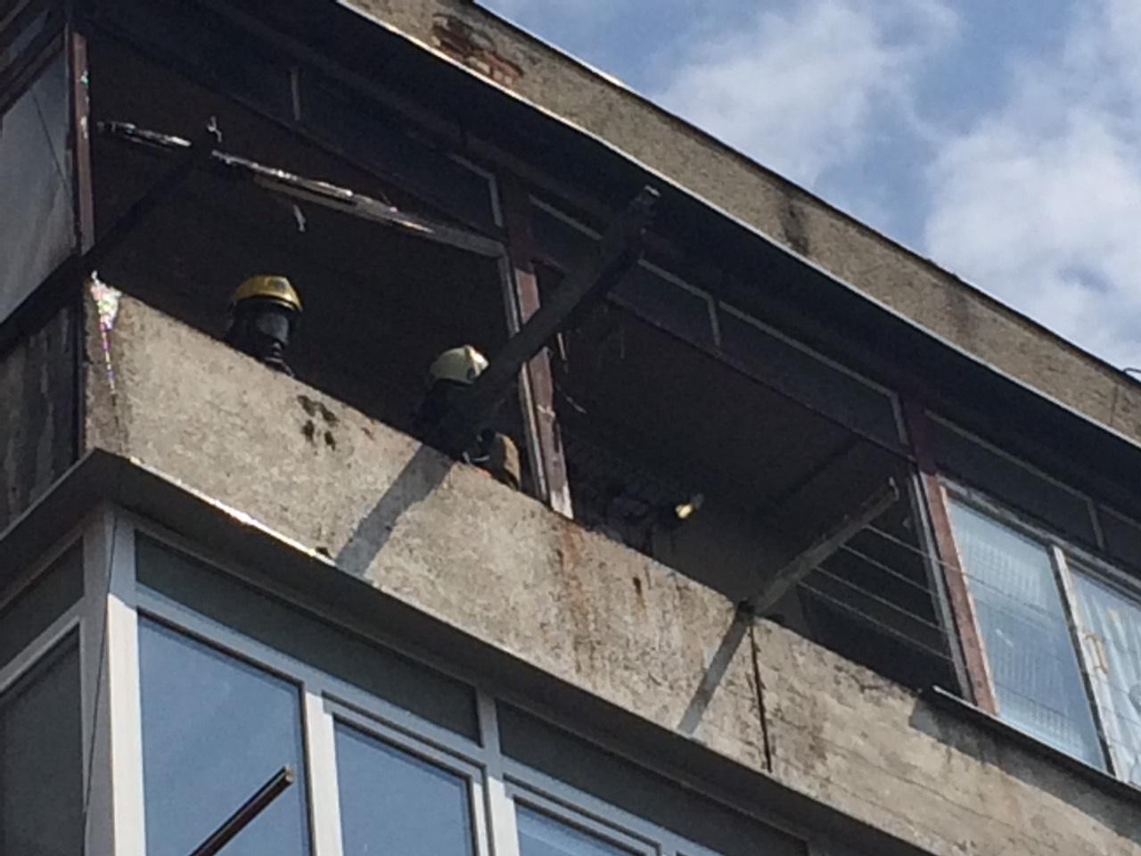 У Виноградові вогнеборці врятували чоловіка під час пожежі у квартирі