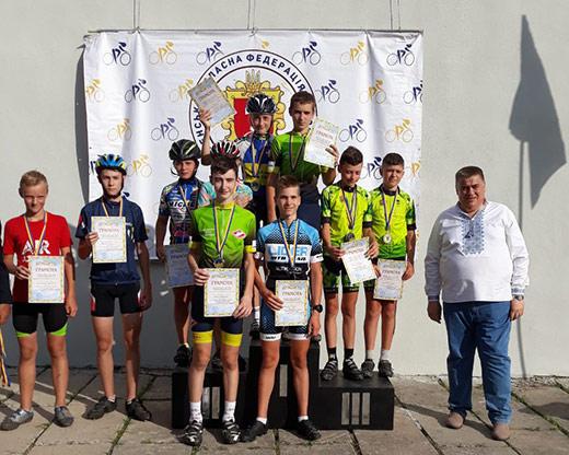 Велосипедисти із Закарпаття стали переможцями командної естафетної гонки у Рівному