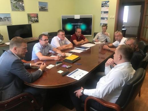 Закарпатські митники провели зустріч із власниками авто з іноземною реєстрацією