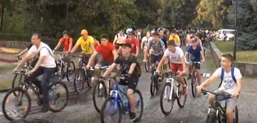 """Злива не стала на заваді учасникам """"Big City Ride"""" в Ужгороді"""